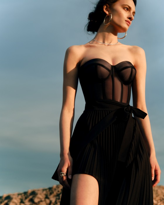 Black corset with transparent cups effect